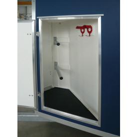 Sattelkammer Standard, Tür (abschließbar) inkl. Sattelablagestange