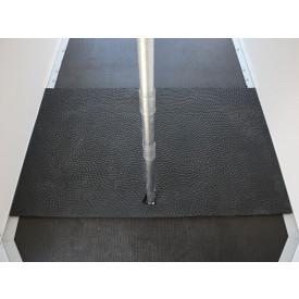 Gummimatte (Antiverschleiß, vorne, lose auf Boden)